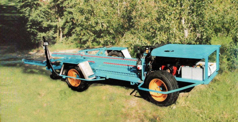 Carro semovente tipo T.F.2 per raccolta terra